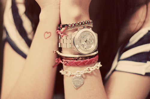clock-cute-fashion-girl-heart-pink-Favim.com-77191